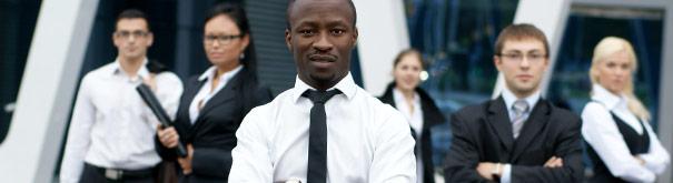 Maak carrière samen met je collega's. Controleer het arbeidsrecht, uw salaris en carrière tips op Loonwijzer